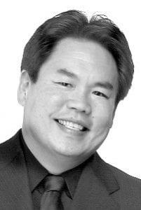 Guest Conductor Bruce Uchímura
