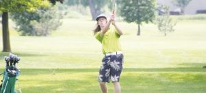 Kyle VanBoernel only had to defeat one player, his Holly teammate Mitchell Hughes, on a two-hole playoff to claim the boys' Henrickson Award on Monday at Atlas Valley Country Club.