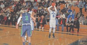 Jaylen Bradley squares up for the jump shot at home in SVL-South action at home on Jan. 29 against Lapeer.