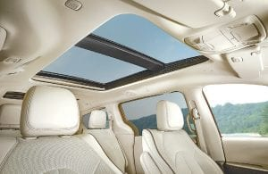 With a dual-pane panoramic sunroof over the front- and second-row seats and fixed glass pane over the third row, all Chrysler Pacifica passengers can enjoy the openness and a view to the sky above.
